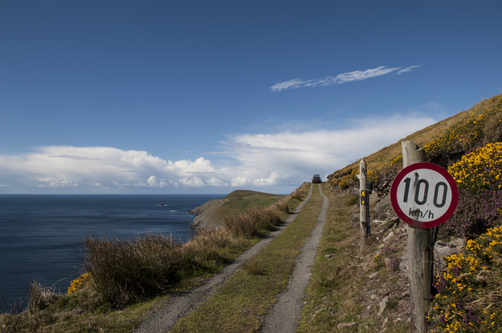 wild-Atlantic-way-cliff-road-100km