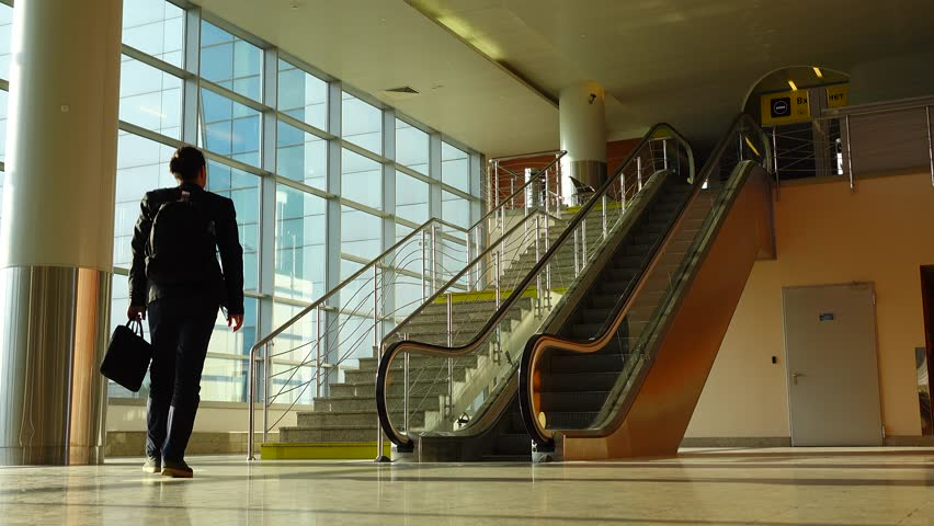 choosing-stairs-or-escalator